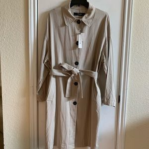 NWT Zara beautiful lightweight trench coat side L